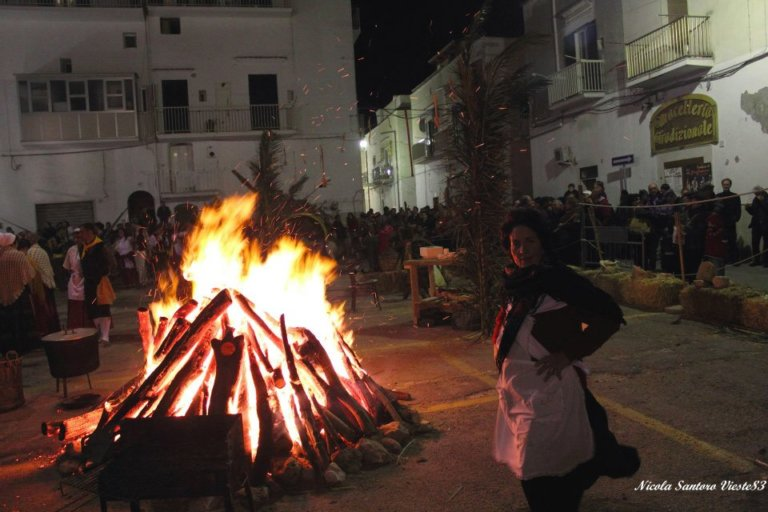 La Fanoja di San Giuseppe : il falò tradizionale Viestano